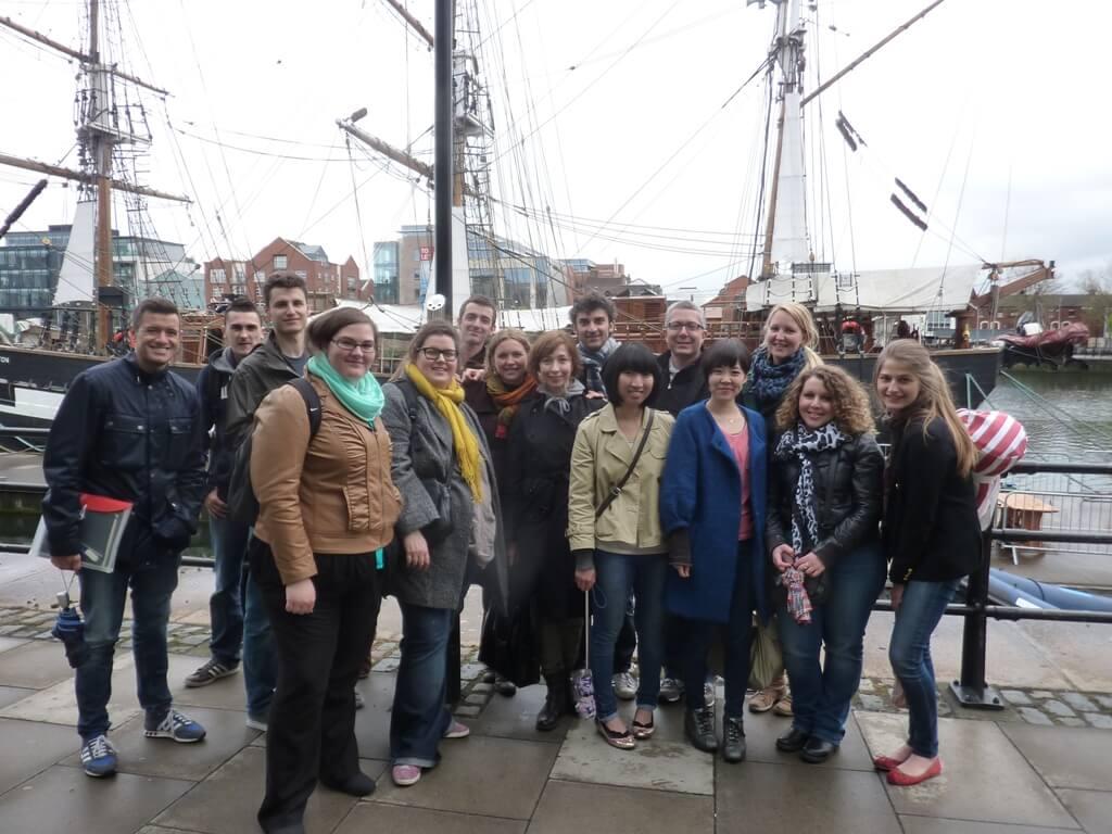 School+Group+at+Jeanie+Johnson+Famine+Ship[1]